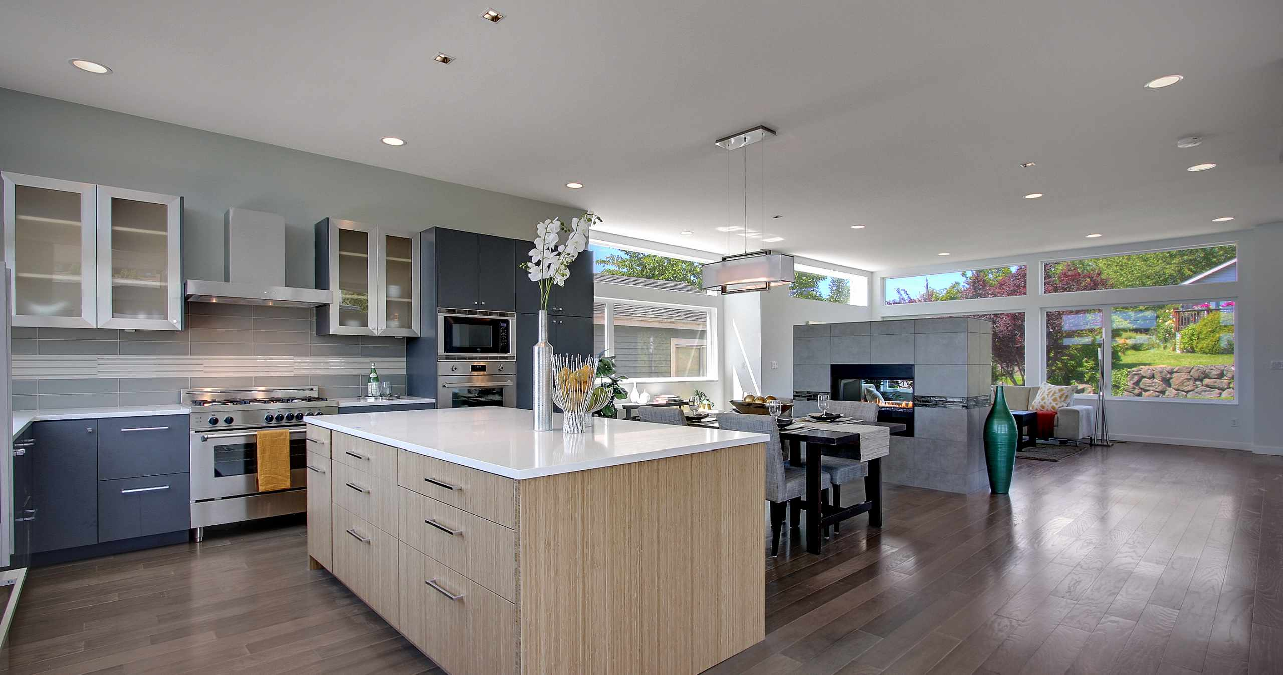 Modern Kitchen, Kitchen Island, Stainless Steel Appliances, Modern Cabinets