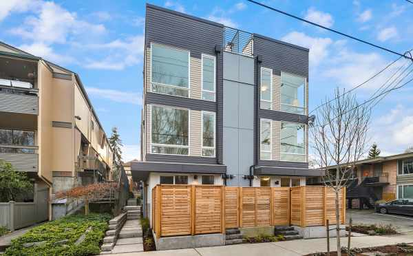 Exterior of the Bloom Townhomes in Green Lake by Isola Homes