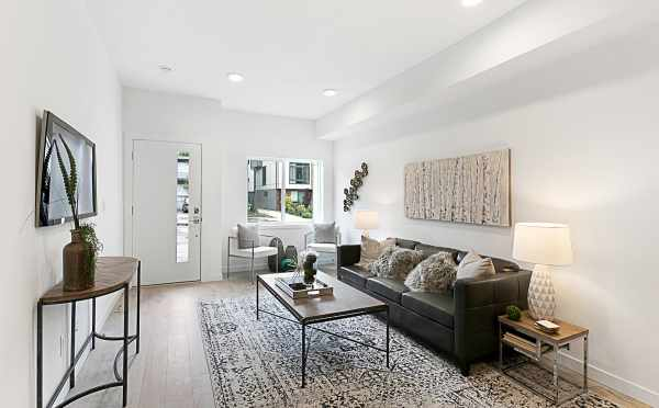 Entryway and Living Room of 3537 Wallingford Avenue in the Lucca Townhomes