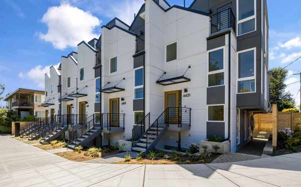 The Oleana Townhomes in Ballard by Isola Homes
