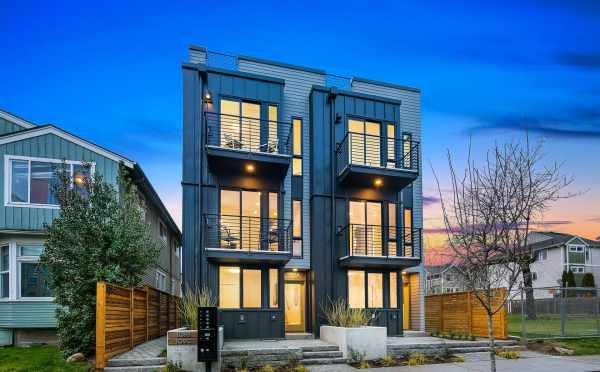 Front Exterior of the Thalia Townhomes in Capitol Hill by Isola Homes