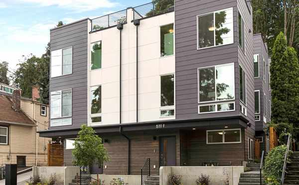 Exterior of the Tremont Townhomes, New Homes in the University District
