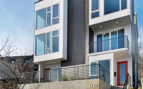 Exterior of the Twin I Townhomes, New Townhomes for Sale at 2125 and 2127 Dexter Ave N in East Queen Anne
