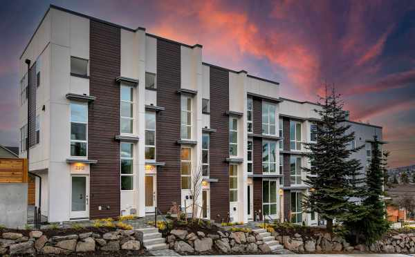 Exterior View of the New Walden Townhomes, by Isola Homes, in Magnolia