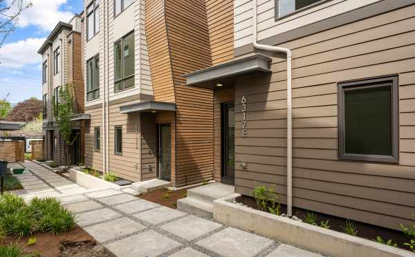 The Zenith North Townhomes, by Isola Homes, in the Roosevelt Neighborhood of Seattle