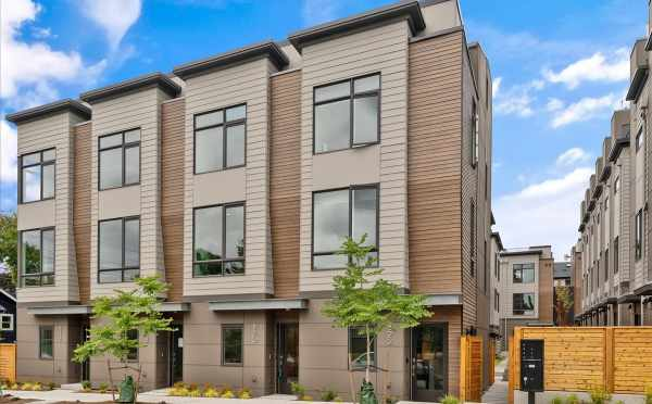 Zenith Towns South in Roosevelt by Isola Homes