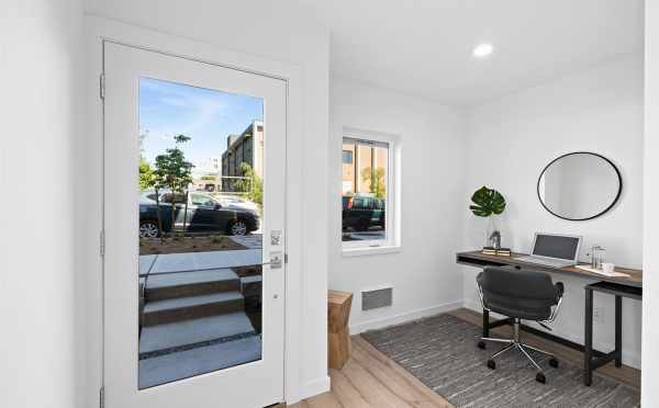 Bonus Space Near the Front Door of 6309F 9th Ave NE in Zenith Towns East