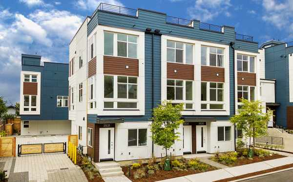 Lucca Townhomes, by Isola Homes, in Wallingford