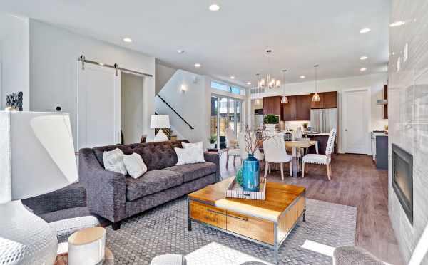 Living Room of 11221 132nd Ave NE in Sheffield Park