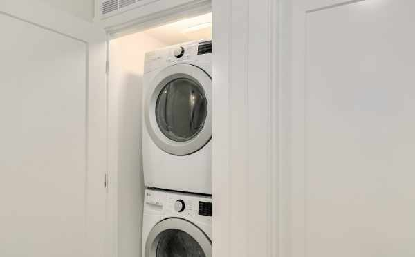 Stackable Washer and Dryer in 2508 Everett Ave E