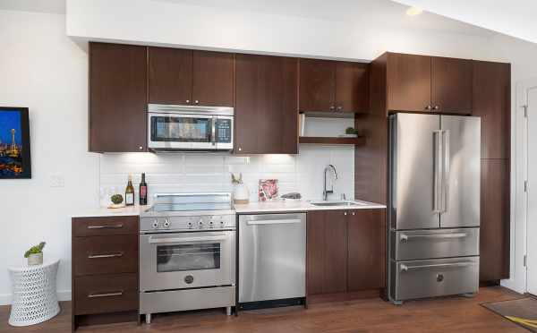 Stainless Steel Appliances in 1112F 13th Avenue
