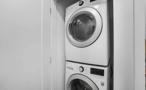 Laundry Area at 449 NE 73rd St in Verde Towns 2