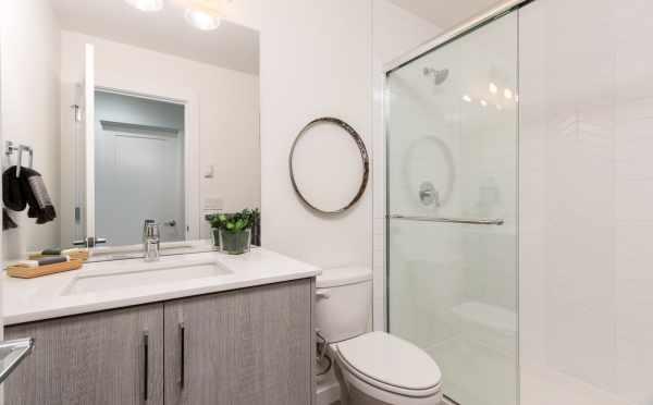 Full Bathroom on the First Floor at 11514B NE 87th St