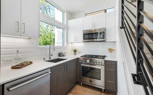 Kitchen at 1113A 14th Ave