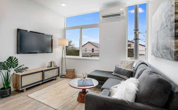 Living Room at 201B 23rd Ave in the 6 Central Townhomes