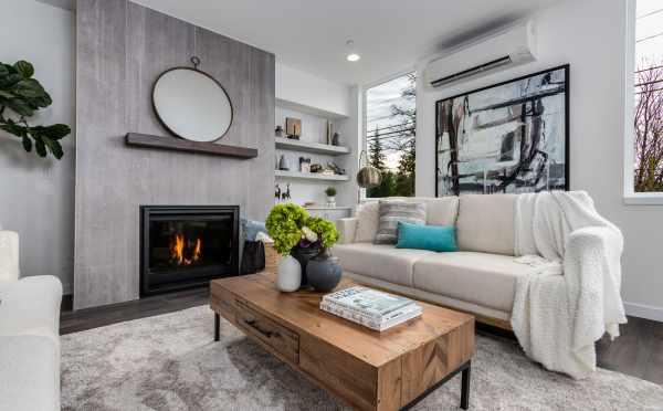 Living Room at 11518A NE 87th St