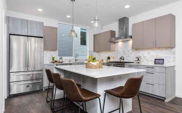 Kitchen at 11518 NE 87th St at Piccadilly Point
