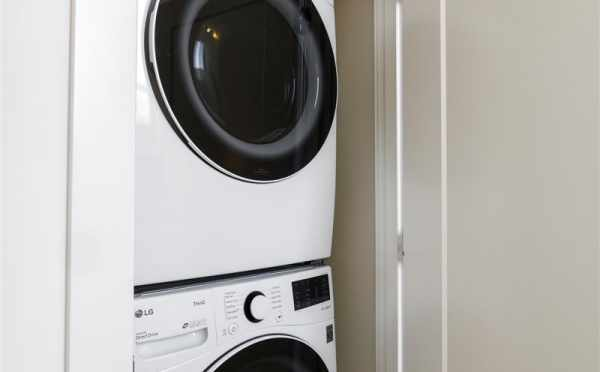 Laundry Room at 6317E 9th Ave NE in Zenith Towns North