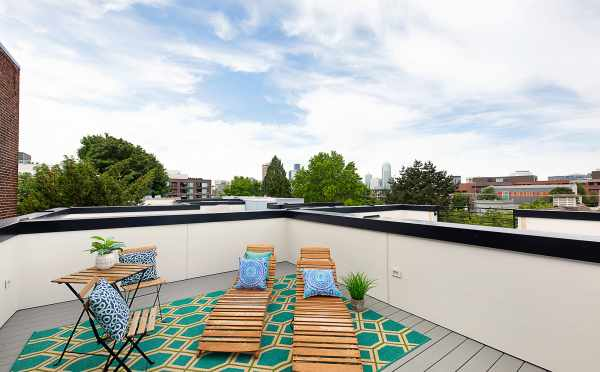 Rooftop Deck at 1121 E Howell Street