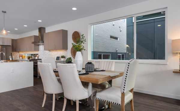 Dining Room at 11514B NE 87th St