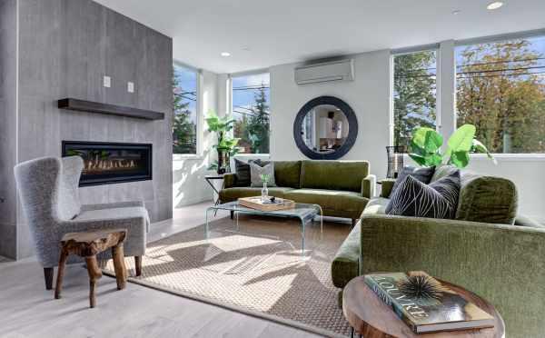 Living Room at 11518B NE 87th Street