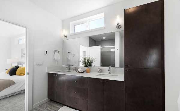 Master Bathroom in 7528A 15th Ave NW, Townhome in Talta Ballard