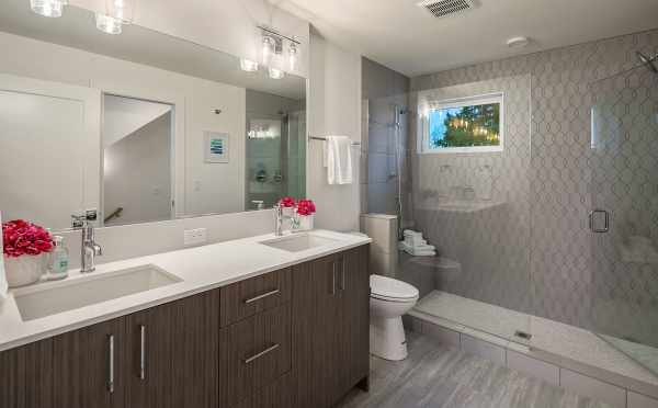 Owner's Suite Bathroom at 2506 Everett Ave E in the Baymont Townhomes