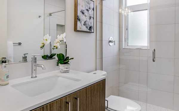 Owner's Suite Bathroom at 422F 10th Ave E
