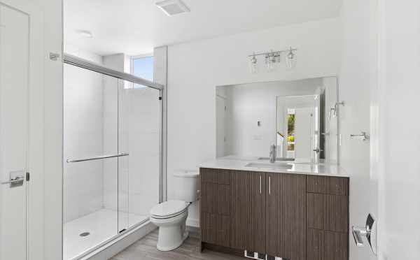 Owner's Suite Bath at 3015C 30th Ave W