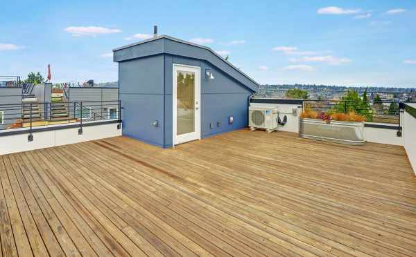 Roof Deck at 3525 Wallingford Ave N