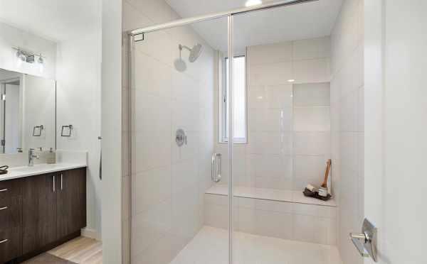 Owner's Suite Bath at 809B N 47th St