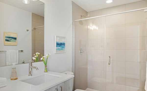 Master Bath at 1113 E Howell St of The Wyn Townhomes