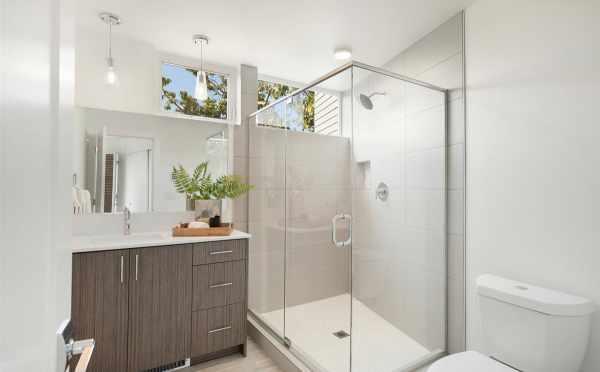 Owner's Suite Bathrooma t 445 NE 73rd St