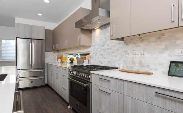 Kitchen at 11514B NE 87th St