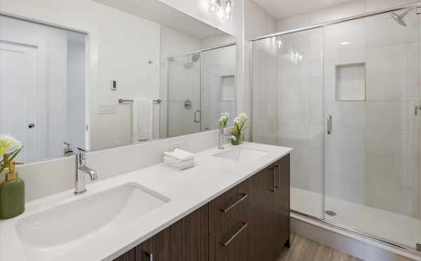 Owner's Suite Bath at 1812 E Spruce St