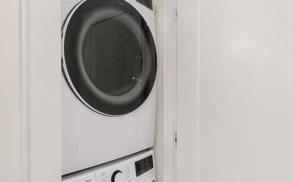 Washer and Dryer at 1419 E Harrison St