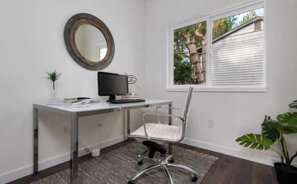 Home Office at 11514B NE 87th St