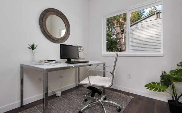 Home Office at 11514B NE 87th St