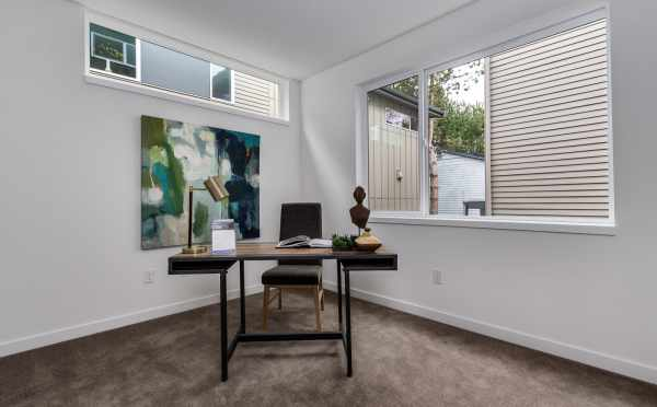 Home Office at 11518A NE 87th St in Piccadilly Point