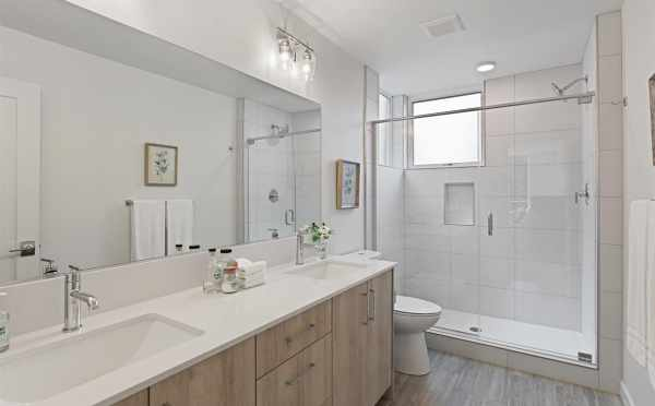 Owner's Suite Bath at 10843 11th Ave NE in the Lily Townhomes