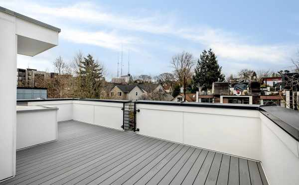 Rooftop Deck at 1113F 14th Ave