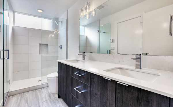 Owner's Suite Bathroom at 14339C Stone Ave N, One of the Maya Townhomes