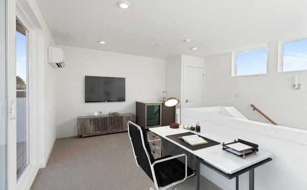 Fourth Floor Bonus Room at 7213 5th Ave NE