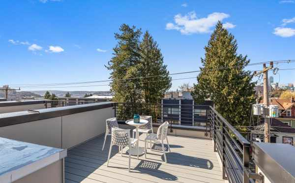 Roof Deck at 224 18th Ave in the Cabochon Collection