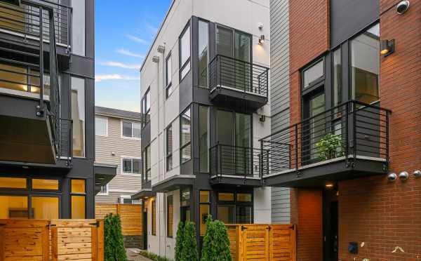 Decks at the Back Units of Core 6.2 in Capitol Hill by Isola Homes