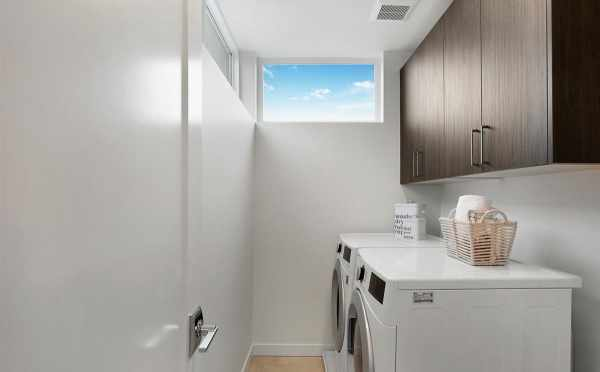 Laundry Room at 807 N 47th St