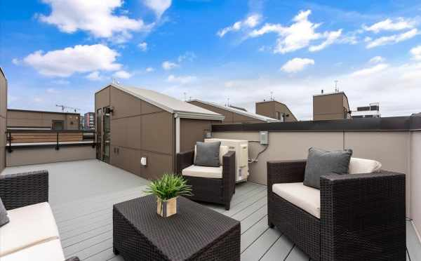 Roof Deck at 820 NE 63rd St in Zenith Towns South