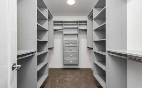 Master Closet at 11518A NE 87th St