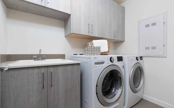 Laundry Room at 11514B NE 87th St