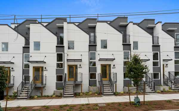 Exterior View of the Oleana Townhomes in Ballard by Isola Homes